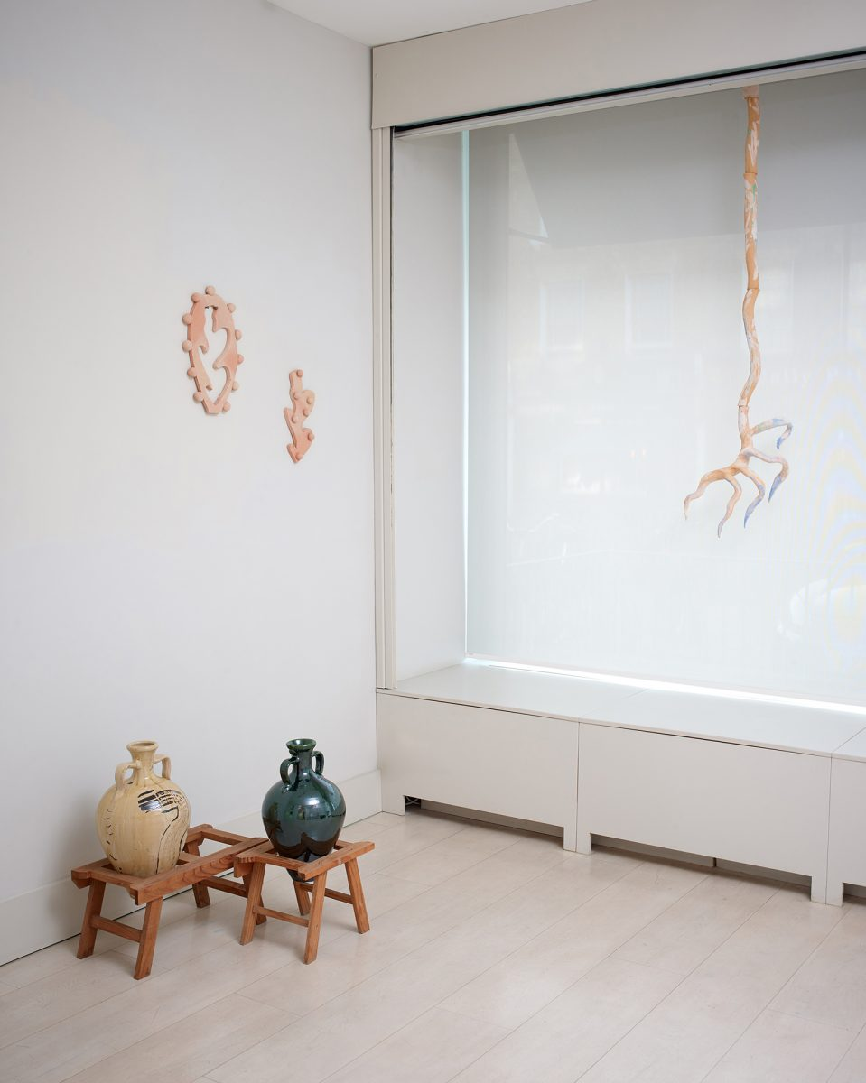 Install view Barefoot 3-Large Glass 2019-photo Stephen White